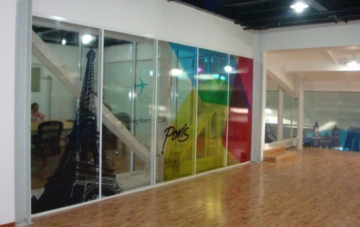 透明背胶喷绘,透明玻璃贴喷绘,半透玻璃海报,透明防撞